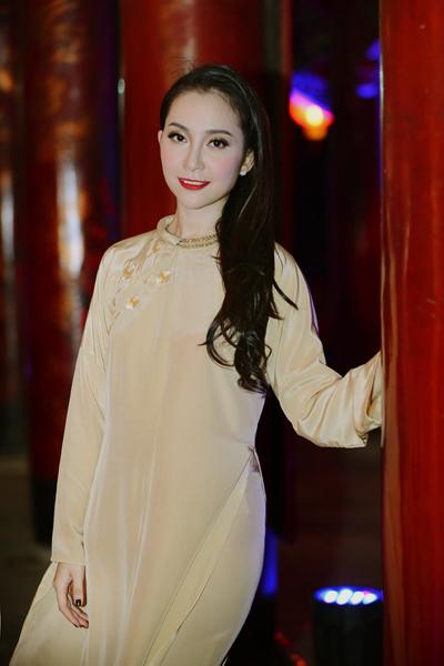 Linh Nga khoe khéo vóc dáng thon thả 7