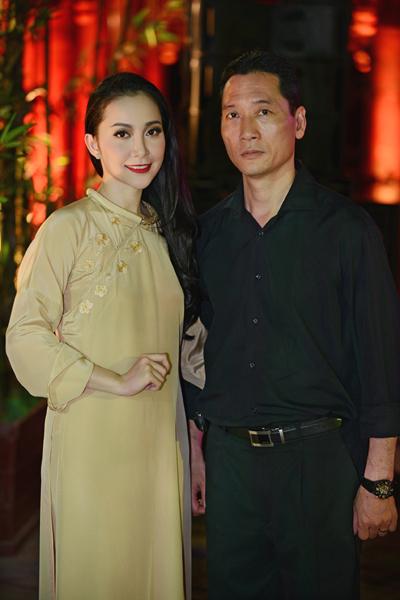 Linh Nga khoe khéo vóc dáng thon thả 8