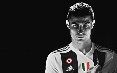 Cực sốc khi so sánh mức lương của Ronaldo với các đồng đội Juventus