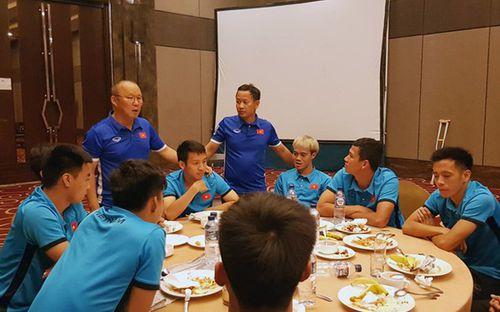 Đỗ Hùng Dũng chia tay đồng đội Olympic Việt Nam: