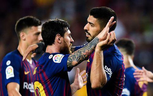 Messi nổ súng, nhường đá phạt đền cho Suarez trong chiến thắng 8-2 của Barca
