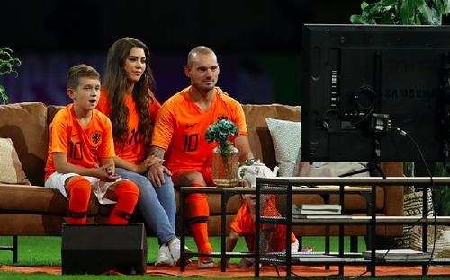 Huyền thoại bóng đá Hà Lan được tri ân theo cách hy hữu