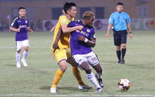 HLV SLNA tố Hà Nội FC được thiên vị về lịch thi đấu