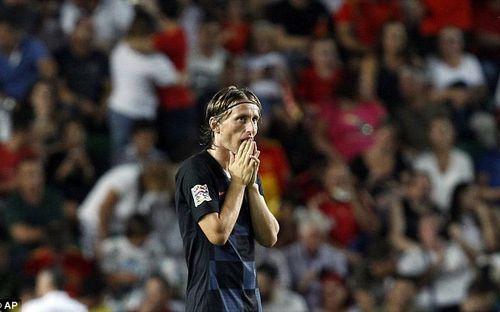 Á quân World Cup 2018 nhận thất bại không tưởng trước Tây Ban Nha