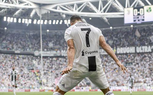 Những con số ấn tượng sau bàn thắng đầu tiên của Ronaldo ở Serie A