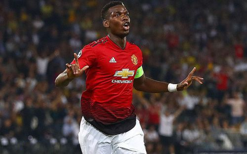 Pogba 3 lần rực sáng, Man United