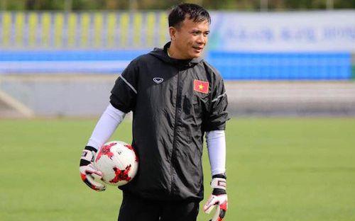 """Cựu thủ môn Trần Minh Quang: """"Bùi Tiến Dũng chưa đủ khả năng bắt tại Đội tuyển Quốc gia"""""""