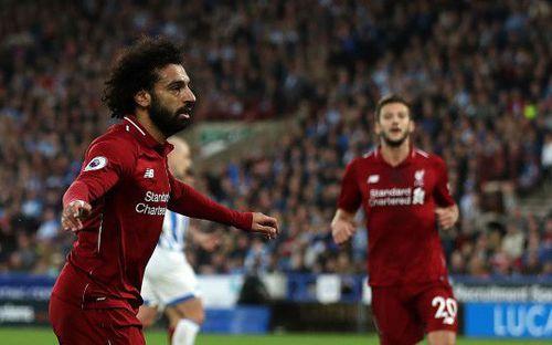 'Vua Ai Cập' Mo Salah tỏa sáng trong ngày Liverpool nhọc nhằn vượt ải Huddersfield