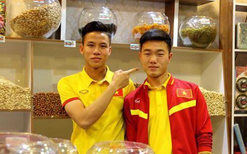 Chơi game bóng đá PES: Thú vui không thể thiếu với các tuyển thủ Việt Nam tại AFF Cup 2018