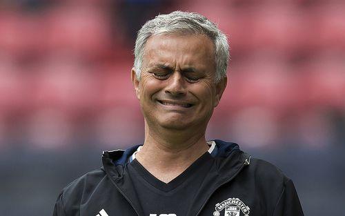 Nóng: MU chính thức sa thải Mourinho