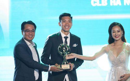 Đoàn Văn Hậu lọt top 5 sao trẻ sáng giá nhất Asian Cup 2019