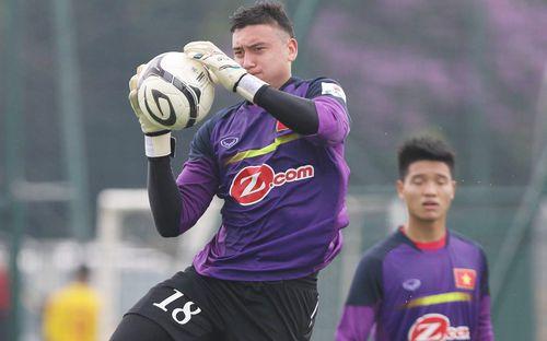 Mở đường cho Văn Lâm, Hà Nội để 2 thủ môn ra đi?