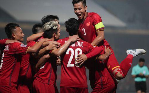 Trang chủ của Liên đoàn bóng đá thế giới tôn vinh chuỗi bất bại kỷ lục của đội tuyển Việt Nam