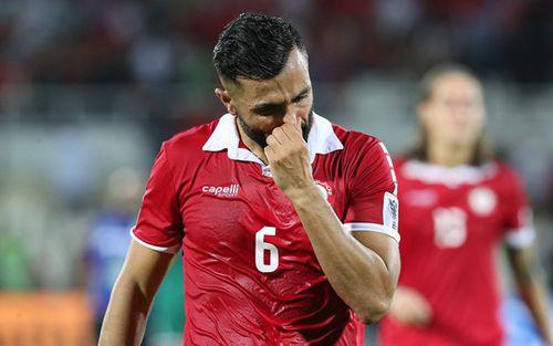 Mất vé vớt vào tay Việt Nam, cầu thủ Lebanon