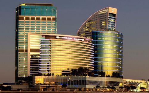 Tuyển Việt Nam đóng quân tại khách sạn 5 sao nằm ở trung tâm thành phố Dubai giàu có bậc nhất thế giới