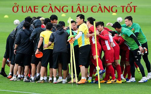 Trước vòng đấu loại trực tiếp Asian Cup 2019, Đặng Văn Lâm tuyên bố: