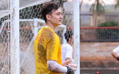 Đặng Văn Lâm tiết lộ Muangthong United có