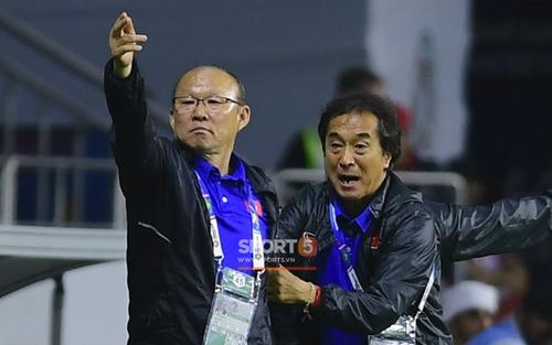 HLV Park Hang-seo âm thầm tiến cử trợ lý Lee dẫn dắt một đội tuyển Việt Nam
