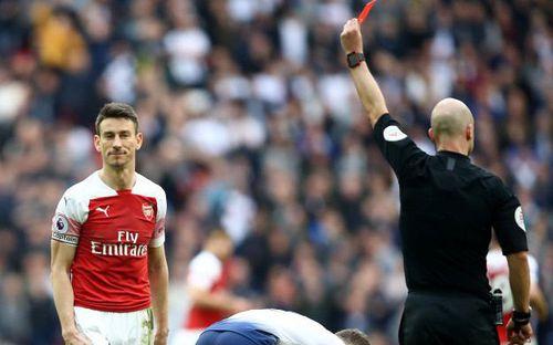 Drama cực mạnh trong những phút cuối trận đấu nhiều thù hận giữa Tottenham và Arsenal