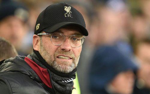 Hòa nhạt nhòa, chính thức mất ngôi đầu Ngoại hạng Anh, HLV Liverpool đổ lỗi cho điều này khiến tất cả phải phì cười