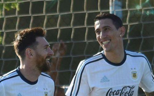 Chiến hữu thân thiết của Messi ở tuyển Argentina bấm thả tim cho siêu phẩm sút xa của Duy Mạnh