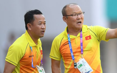 Trợ lý ngôn ngữ Lê Huy Khoa trở lại, U23 Việt Nam đón một loạt người mới ở Ban huấn luyện