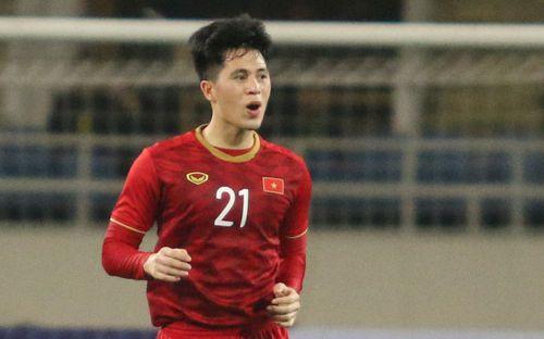 50 sắc thái tuyển U23 Việt Nam ngày thắng Brunei: Đình Trọng vẫn gắt gỏng, Thành Chung vạch áo cười xòa