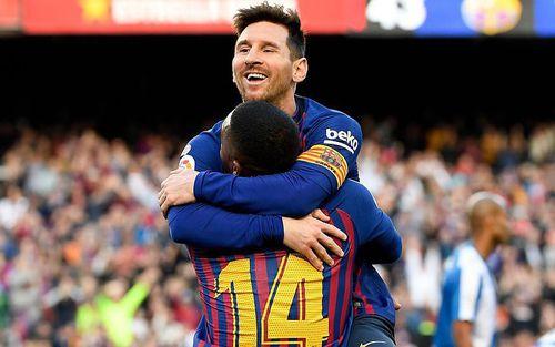 Messi lập hàng loạt kỷ lục sau siêu phẩm sút phạt panenka