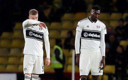 Xác định đội bóng thứ hai rớt khỏi Ngoại hạng Anh