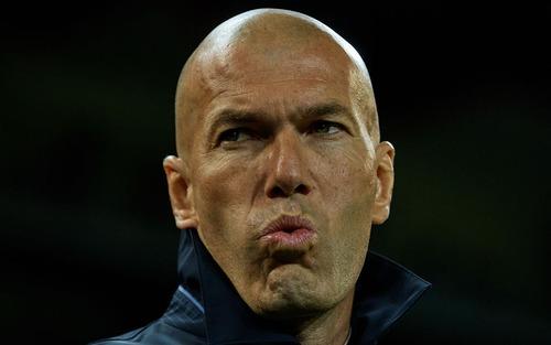 Zidane nhận thất bại đầu tiên ở nhiệm kỳ 2 khi Real Madrid thua bạc nhược Valencia