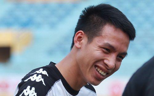 Sau đám cưới, Hùng Dũng đầy tươi tắn tập luyện cùng đồng đội trước ngày tiếp đón đội đầu bảng V.League