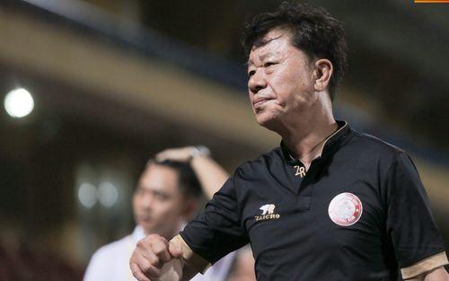 Bạn thân HLV Park Hang-seo bực bội với trọng tài V.League vì pha bắt lỗi tưởng tượng