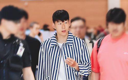 3 ngày sau khi giành ngôi á quân Champions League, Son Heung-min trở về Hàn Quốc với cử chỉ lễ phép khiến ai cũng yêu mến