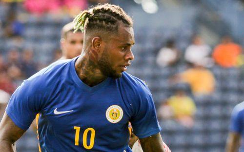 Tuyển thủ Curacao có gíá trị bằng 2 đội hình tuyển Việt Nam, sở hữu kiểu đầu chất nhất King's Cup 2019