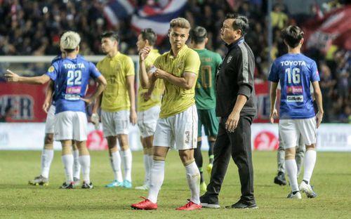 HLV trưởng tuyển Thái Lan từ chức sau khi thua Việt Nam ở King's Cup