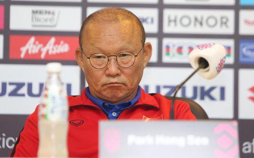 VFF không muốn mất 1 tỷ đồng tiền lương, HLV Park Hang-seo chỉ nên dẫn dắt ĐTQG hoặc U23 Việt Nam