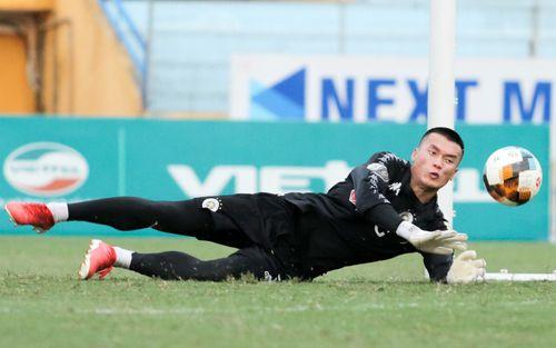 Bùi Tiến Dũng rộng cửa bắt chính cho Hà Nội FC tại Cup Quốc gia 2019