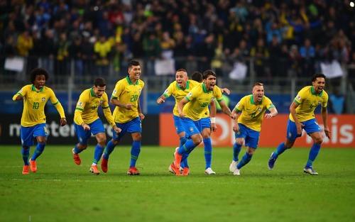 Cúp bóng đá Nam Mỹ: VAR trở thành tâm điểm, Brazil nhọc nhằn vượt qua Paraguay trên chấm luân lưu