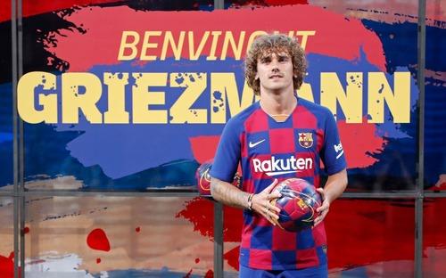 Về Barcelona rồi,