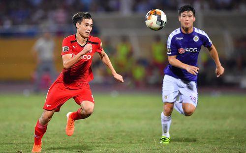Bộ đôi Xuân Trường - Văn Toán tái hiện pha bóng tại Asian Cup, cứu HAGL vào những giây cuối cùng
