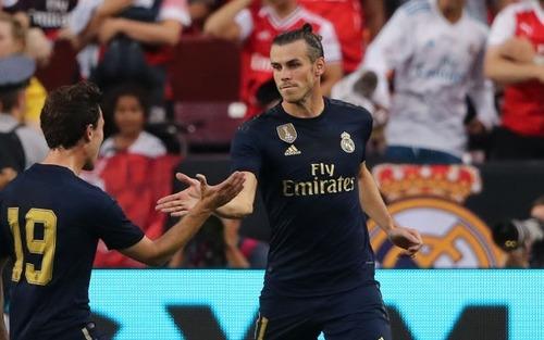 Gareth Bale giúp Real Madrid đánh bại Arsenal trong trận đấu giao hữu có 2 thẻ đỏ