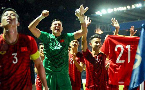 Đội tuyển Việt Nam tụt hạng trên BXH FIFA tháng 7, fan Việt vẫn vui vì lý do này