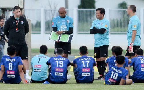 Thấy tuyển Việt Nam hội quân sớm, Thái Lan lập tức đổi lịch sớm hơn ở đợt tập trung vòng loại World Cup 2022
