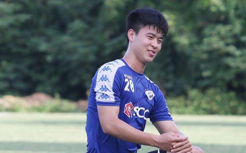 HLV CLB Hà Nội lo lắng vì học trò quá tải:
