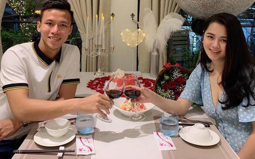 Đi xa về không quên mua bánh ngọt vợ thích, Quế Ngọc Hải được bã xã Thuỳ Phương yêu thương gọi là