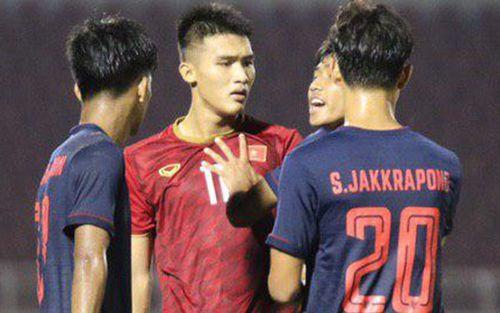 Cầu thủ U18 Việt Nam và U18 Thái Lan lao vào nhau, đòi ăn thua đủ trong trận đấu nghẹt thở tại giải vô địch Đông Nam Á