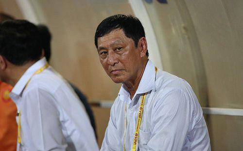 HLV V.League từ chức hai lần liên tiếp vì không chấp nhận