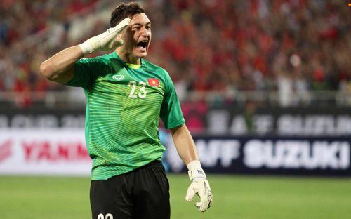 Truyền thông Indonesia ghen tị vì tuyển Việt Nam thống trị mà không cần cầu thủ nhập tịch nhưng fan nước bạn vẫn nhầm lẫn tai hại về Văn Lâm