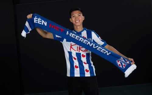 Góc tự hào: Vừa mới ra mắt, Văn Hậu đã được đội bóng hàng đầu Hà Lan trao cho một đặc quyền cực kỳ hiếm có