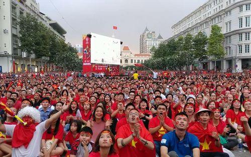 Liên đoàn bóng đá Thái Lan khuyên người hâm mộ nên xem bóng đá ở nhà vì lo sợ... bạo loạn xảy ra